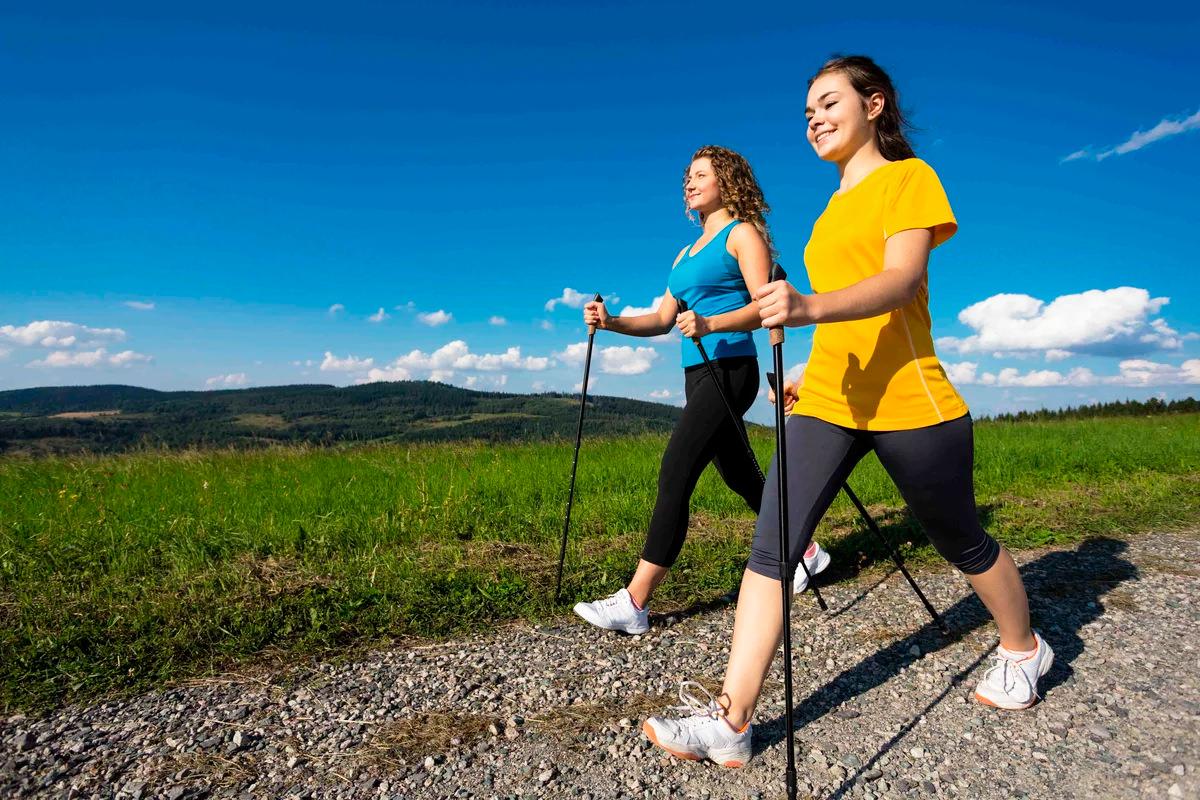 Правила занятия скандинавской ходьбы с целью похудеть